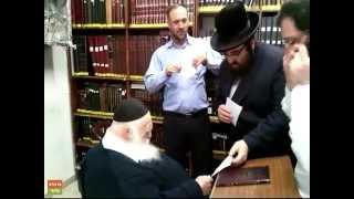 הרב קנייבסקי מברך את מוהרא''ש מברסלב ברפואה