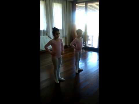 Beylikdüzü Bale stüdyosu Çocuk Bale  Dersleri Gösteri için ilk çalışmalar...:)