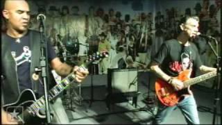 """Inocentes em """"Pânico em SP"""" no Estúdio Showlivre 2009"""