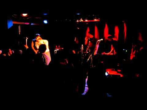 PL Mafia @ Petit Campus (2010-12-18) (Sublime - Santeria & NOFX - Linoleum)