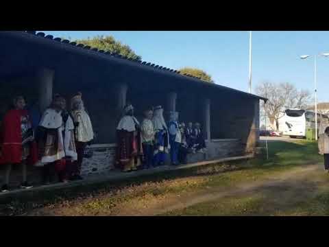 Os gaiteiros dan a benvida aos Reis Magos en Parga
