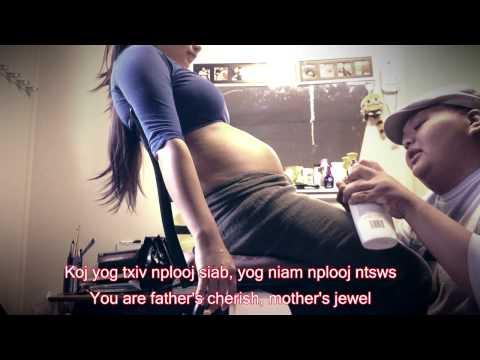 Av Nkwg - Hmong Lullaby