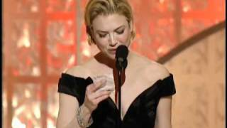 Renee Zellweger Wins Best Actress Motion Picture Musical Or Comedy - Golden Globes 2003