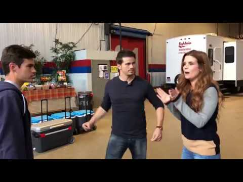 Jason Ritter's Hug Practice  Kevin Probably Saves the World