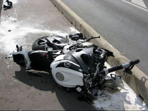 amazing motorcycle crash compilation road rage 2015 hd compilation de crash en moto n 13. Black Bedroom Furniture Sets. Home Design Ideas