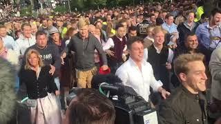 Oktoberfest 2018: Einlass-Beginn: Besucher stürmen auf die Theresienwiese