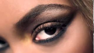 "Maybelline ""The Rock"" Nudes Eyeshadow Palette TV Commercial (Spring 2016)"