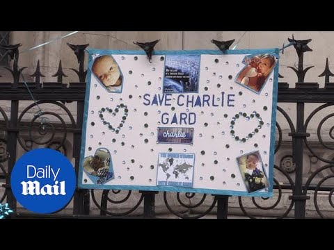 Charlie Gard supporters gather as parents return to High Court - Daily Mail