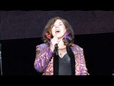 Ann Wilson of Heart Live 2017 Alone / The Who Love Reign O'er Me