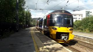 Another classic class 333 2 tone at Keighley