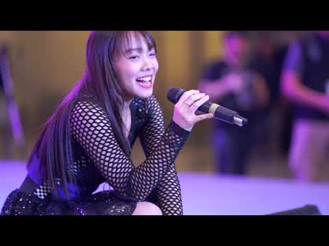 "[Live] Music (Mjydaa) มิว จิดา ในงาน Idol Expo ครั้งที่ 3 กับเพลง ""กอดผี"" และ ""Warukii"""