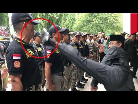 Wali Kota Mataram gunakan fisik untuk tes Satpol PP baru  - TomoNews