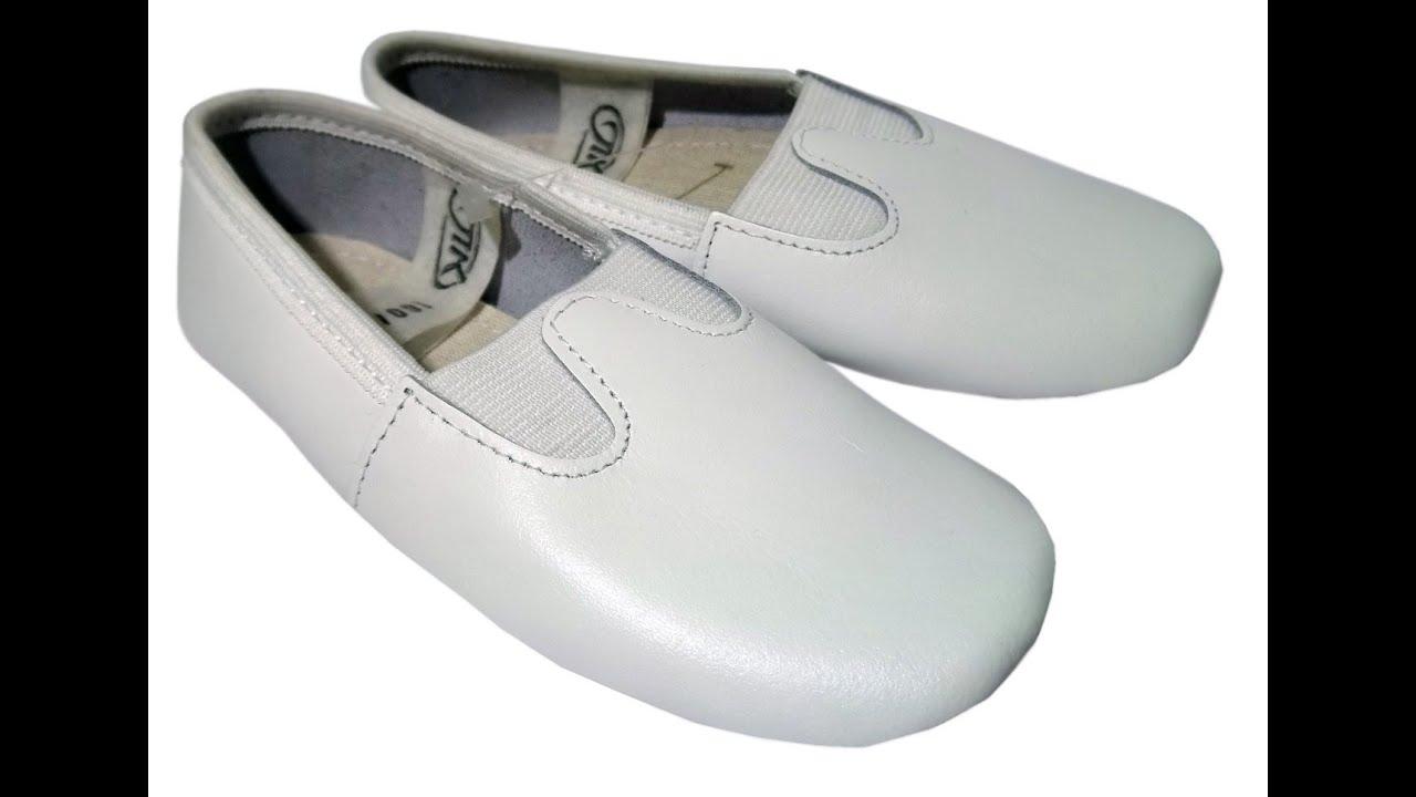 Детские чешки – это разновидность спортивной обуви, которая используется в школьных и дошкольных учреждениях для уроков физкультуры и спортивных занятий. И от того, насколько они качественные зависит комфорт ребенка, а значит и его удовлетворения от уроков. Если вам необходимо купить.