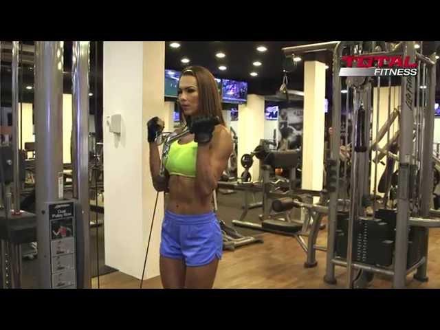 El gym no es solo piernas - rutina de la parte superior para mujeres