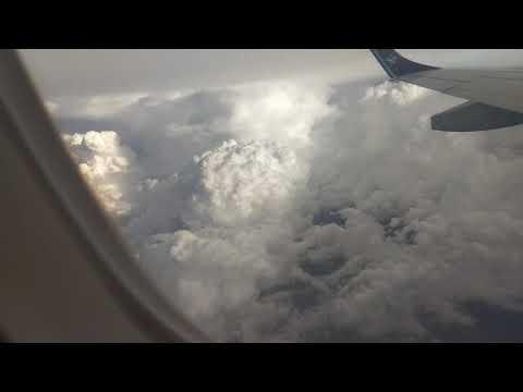 Video do Avião entrando dentro de uma nuvem carregada