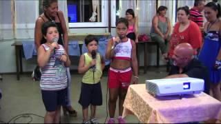 karaoke i piccoli Bombardieri cantano L'ESSENZIALE di Mengoni