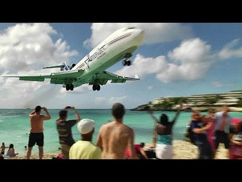 CLOSE CALL at Maho Beach with live ATC. Princess Juliana, St Maarten (UnEdited)