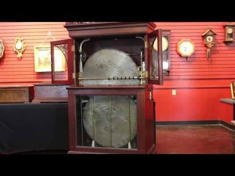 Regina 27-inch Automatic Disc Changing Music Box in Action