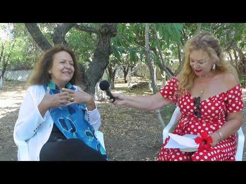 Η γνωστή συγγραφέας Ρένα Ρώσση Ζαίρη στην Κάλυμνο που λατρεύει