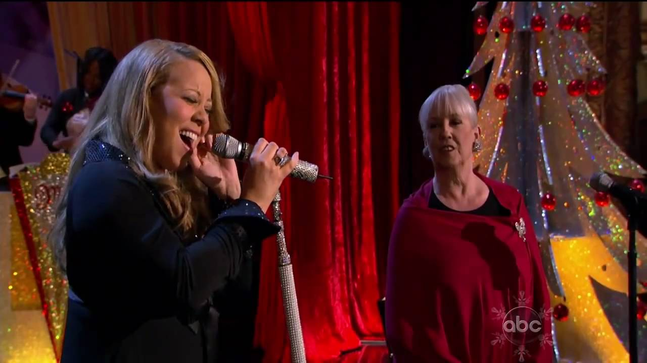 09 Oh Come All Ye Faithfull / Hallelujah chorus - Mariah Carey ...