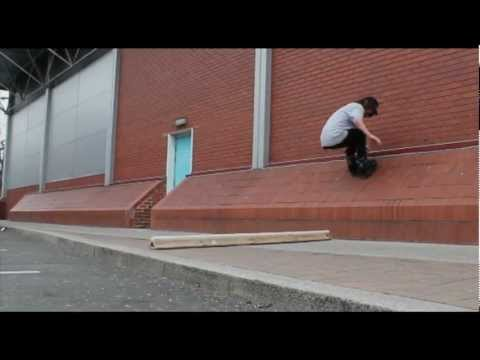 Alex Burston raw clips, chilled Sunday afternoon with the play rail.