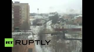 Краматорск подвергся ракетному удару, пять человек погибли(Город Краматорск Донецкой области попал под артиллерийский обстрел. По предварительным данным, есть погиб..., 2015-02-10T16:33:23.000Z)
