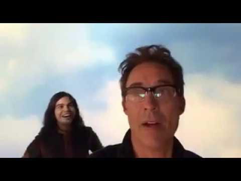 Carlos Valdes and Tom Cavanagh Have Fun On The Waverider