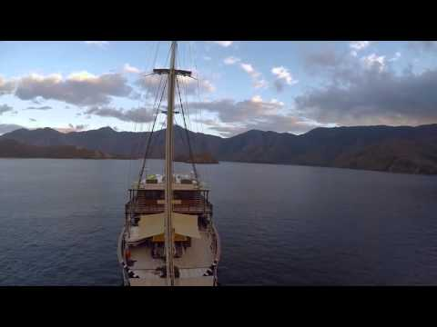 Dunia Baru Adventures - Superyacht Indonesia - DNA Media
