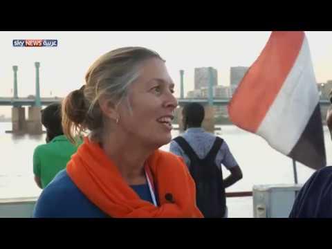 سفيرة هولندا تعبر النيل سباحة في السودان  - نشر قبل 22 ساعة