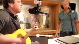 Stéphane McNicoll chante Un peu de Soleil sur les ondes de Rythme FM