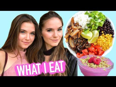 WHAT I EAT IN A DAY  Easy & Vegan  Nina and Randa
