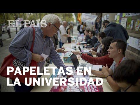 La mesa de la Universidad de Barcelona que reparte papeletas | España