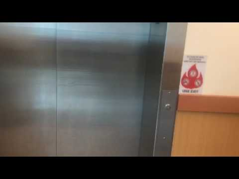Graeginator Rides The Elevator at Jewel-Osco on Broadway & Addison in Lakeview North Side Chicago