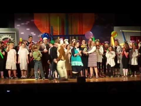 S-F Middle School  Willy Wonka Musical Final Scene