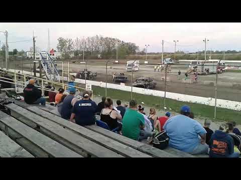 2017 Genesee speedway Old iron/mod Fall Demolition derby Batavia NY