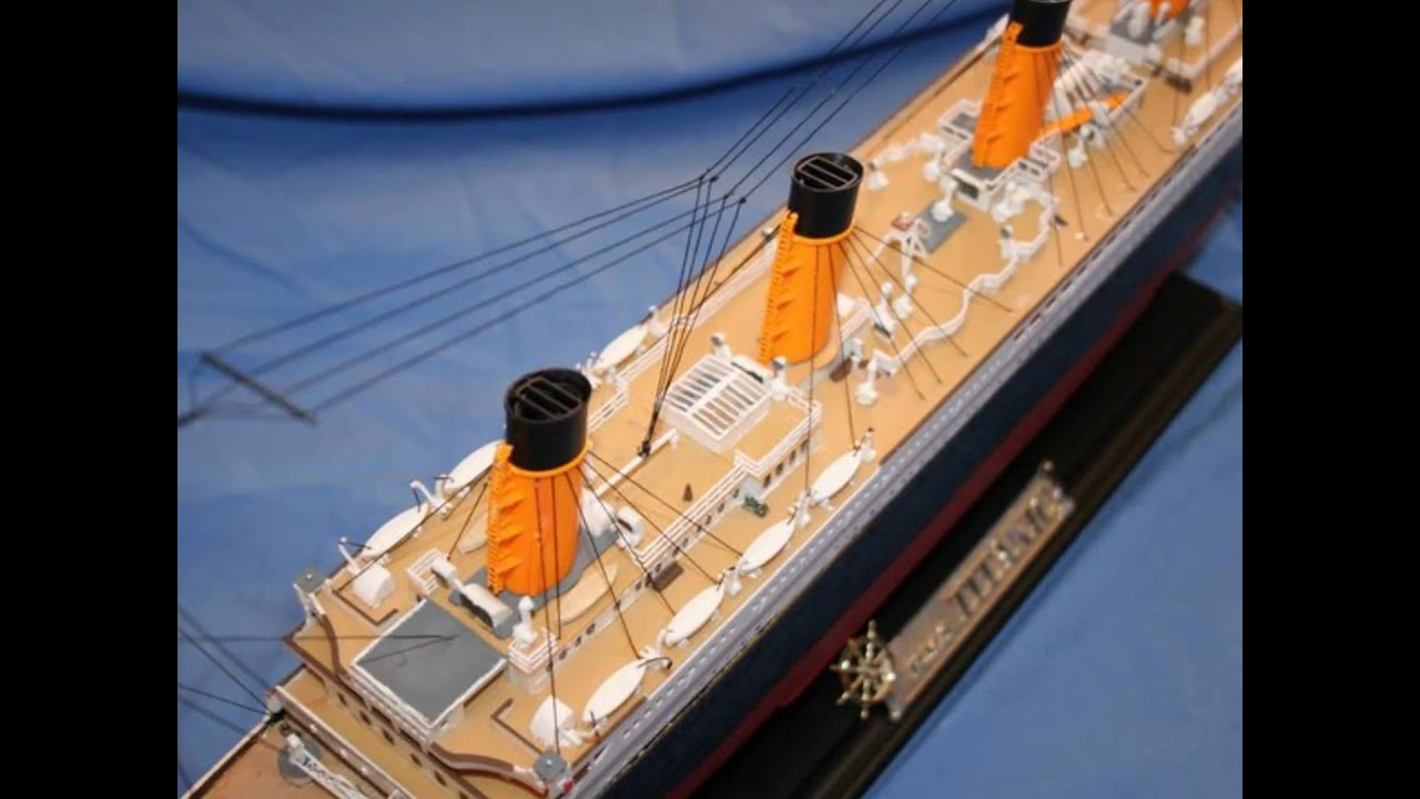 Toys R Us Titanic Model : Titanic models perfect and wrecked conditions youtube