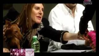 Anna Dello Russo: la filosofia della vestale della moda Thumbnail