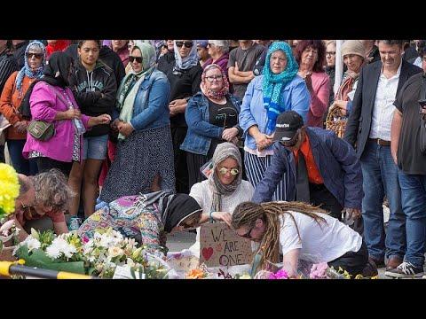 تضامن رسمي وشعبي مع ضحايا -المسجدين-.. أذان وصلاة وحجاب و-هاكا-…  - 08:53-2019 / 3 / 22