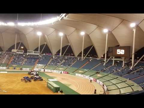 Monster Jam Freestyle Riyadh Saudi Arabia 2017  Blue challenge  شقلبة  منستر جام