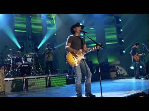 Kenny Chesney - Anything But Mine HD (Live)