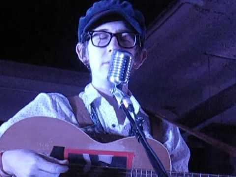 Micah P. Hinson - Close Your Eyes (Live @ ATP Pop-Up Venue, London, 05/05/15)