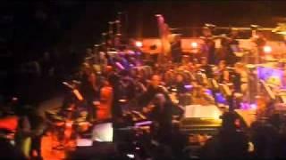 Donovan ending his Royal Albert Hall celebration of his 1966 Sunshi...