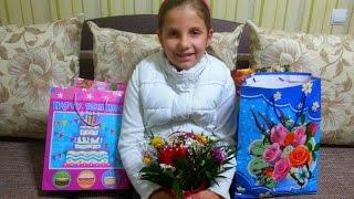 Мои подарки на день рождения(В этом видео, я показываю свои подарки, которые подарили мне дети., 2015-12-16T11:00:01.000Z)