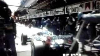 95年のF1スペインGPでベネトンのジョニーハーバートがピットアウ...