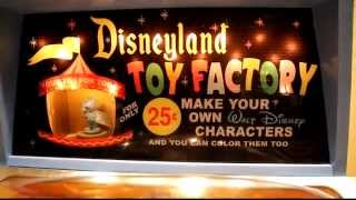 Disneyland Mold-A-Rama Toy Factory demo at D23 Destination D 2014 Walt Disney World