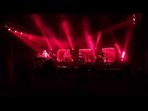 """Air, """"Run"""" live at the Auditorium Theatre, Chicago, 06.20.17"""