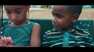Deezy - Qual é a Tua ?! (Feat. Telminha) (Vídeo Oficial)