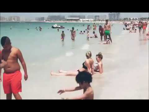 Dubai Open Beach. Jumeirah Beach Walk.watch How Beauty Dubai Beaches