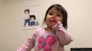 2歳半の頃の動画です 当時流行っていた平野ノラを父から仕込まれていま...