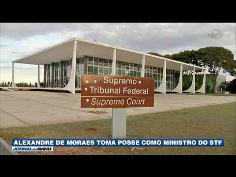 Alexandre de Moraes toma posse como ministro do STF
